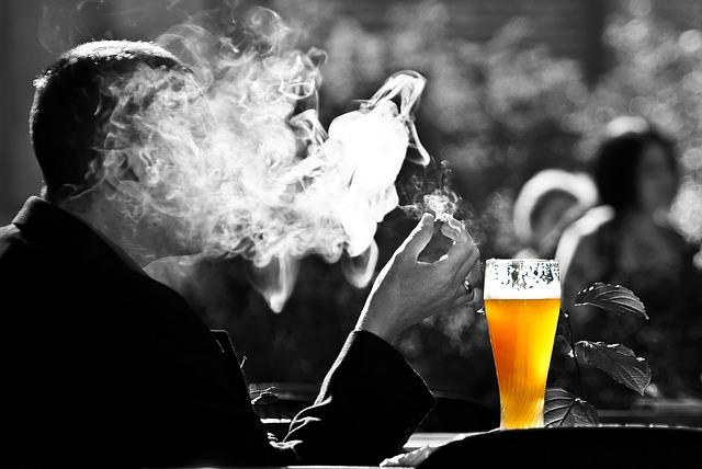 cerveza fumador