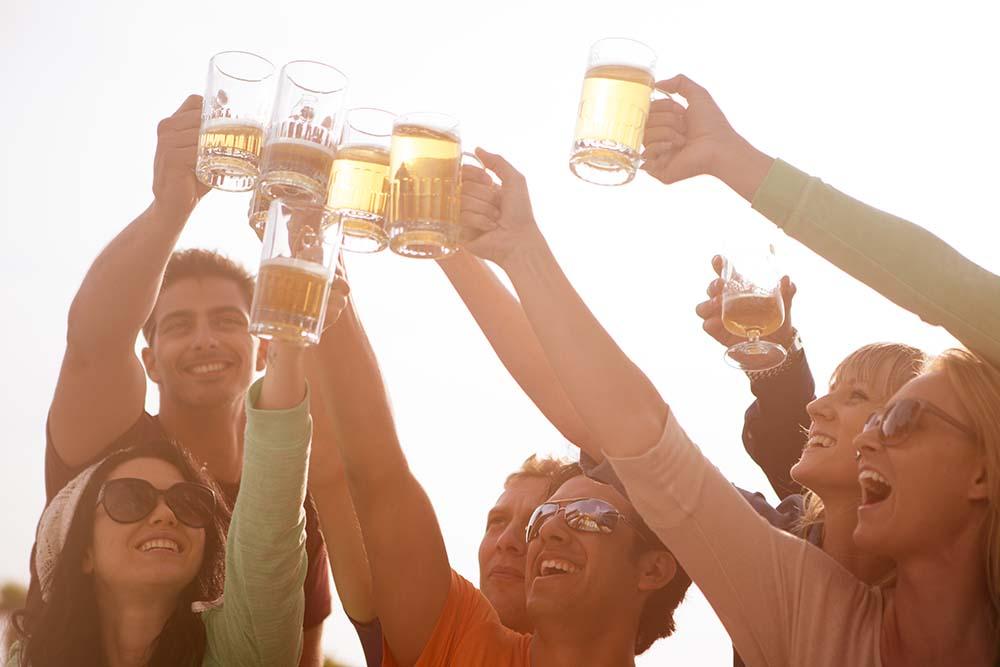 brindar con cerveza