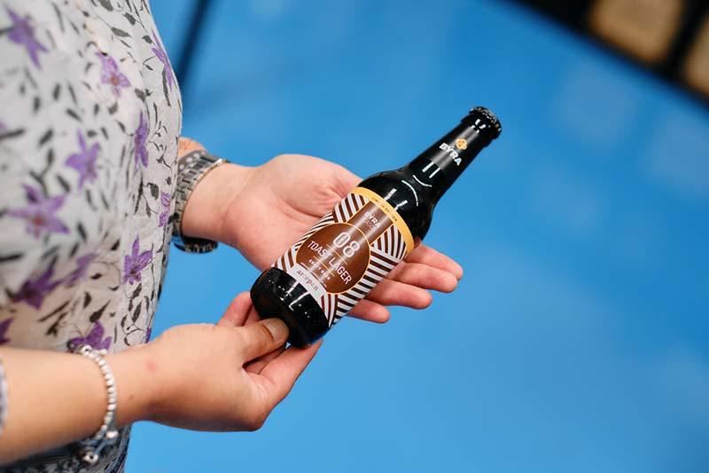 La cervecera artesana BÝRA presenta una nueva cerveza elaborada con pan de masa madre